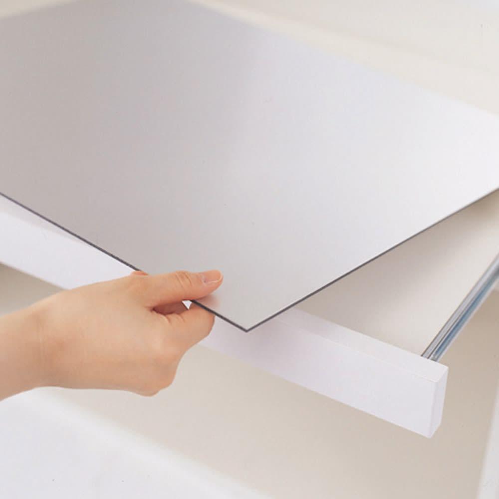 サイズが豊富な高機能シリーズ カウンター家電収納 幅120奥行45高さ84.8cm スライドテーブルのアルミ板は外して洗え、裏面も同じ仕様です。