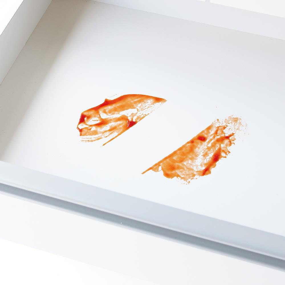 大型レンジ対応ステンレスクリーンキッチン キッチンボード 幅60cm (ア)ホワイトは側面・引き出し内部・棚板にも、すりキズや汚れ、変色に強いクリーンイーゴスを使用。水滴も簡単に拭き取れるので、輪ジミになりにくいです。