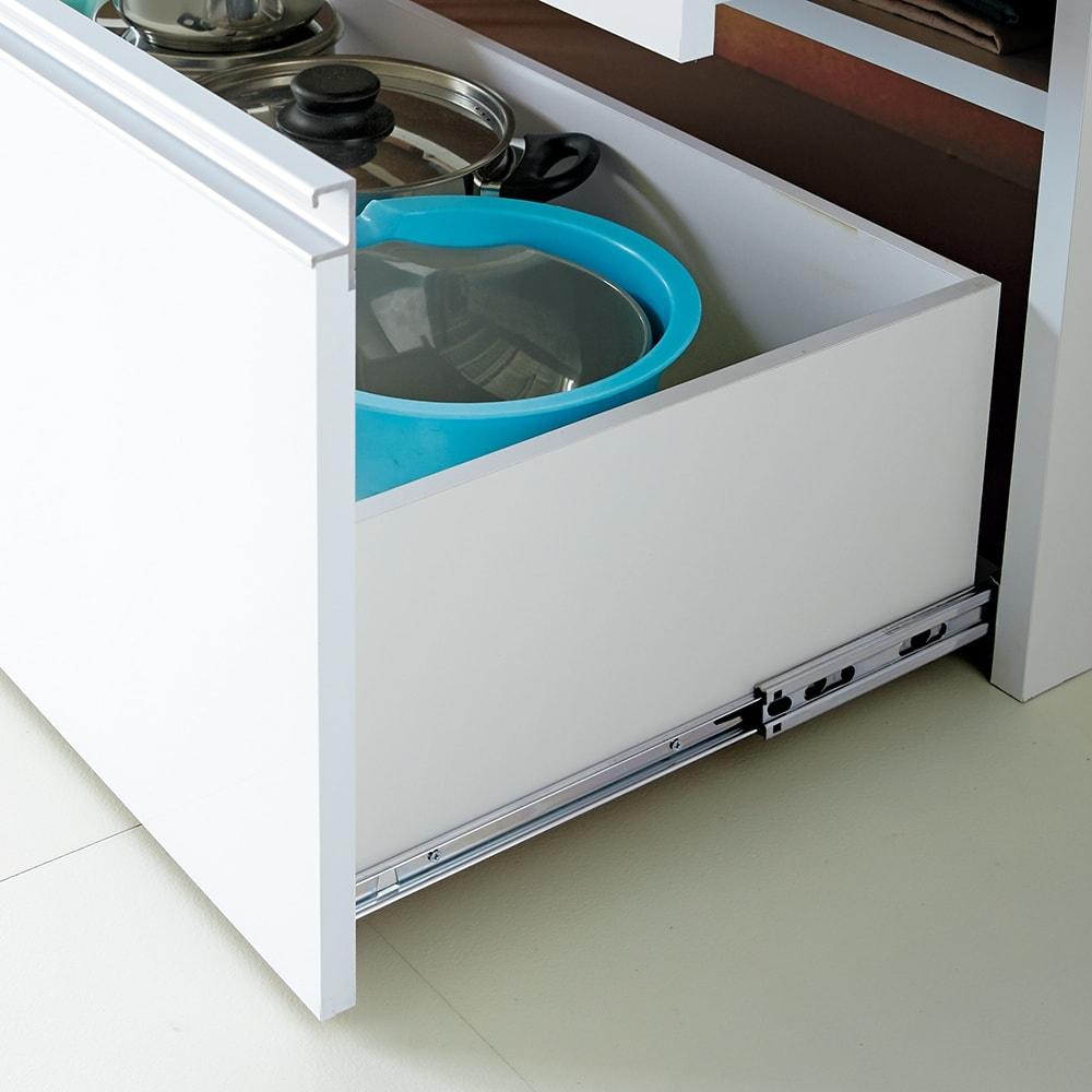 大型レンジ対応ステンレスクリーンキッチン キッチンボード 幅60cm 引き出し最下段は奥まで引き出せるフルスライドレール。