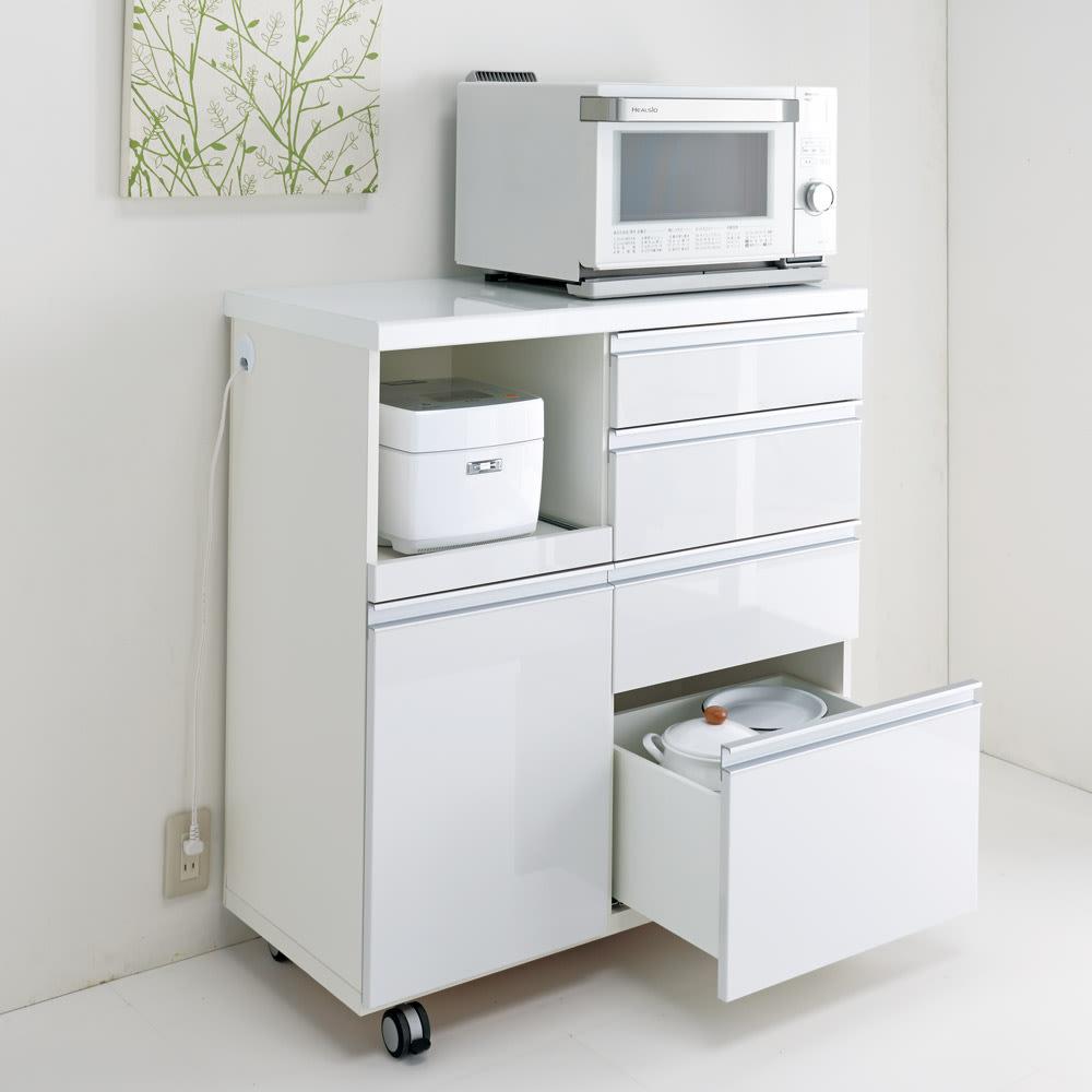 キッチンの間仕切りにも!家電が使いやすい腰高キッチンカウンター 幅90cm [パモウナ WH-90W] ホワイトは光沢が美しくお手入れもしやすい素材です。