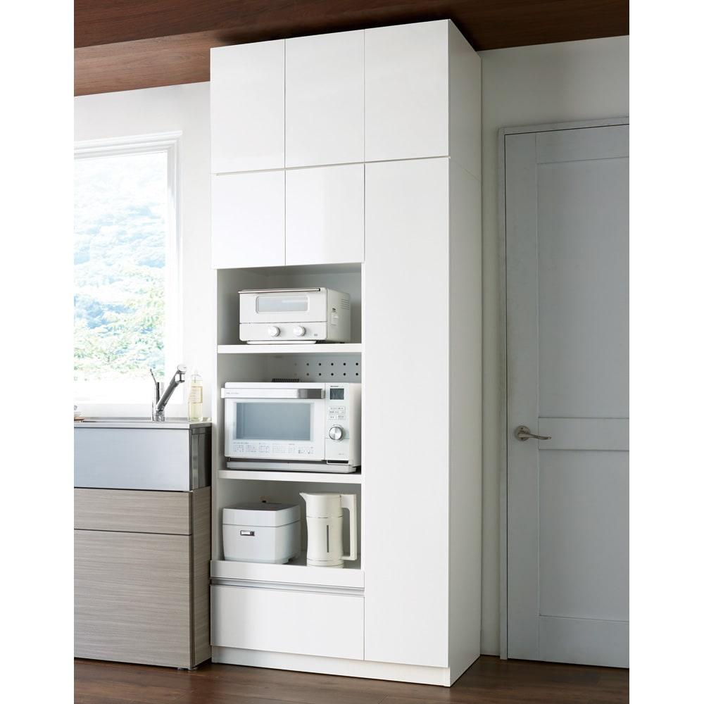 家電も食器もたっぷり収納!天井ぴったりキッチンシリーズ マルチボード 幅90cm奥行45cm コーディネート例(ア)ホワイト