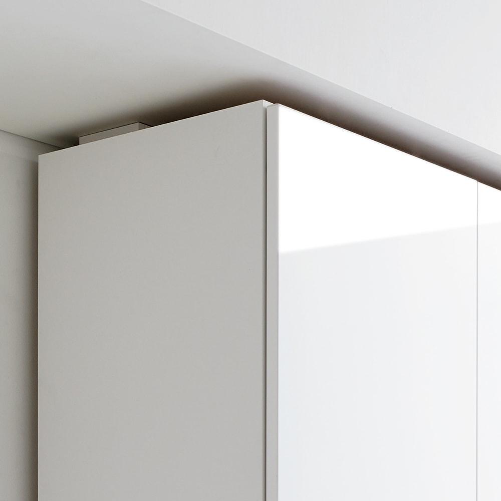 食器もストックもたっぷり収納!天井ぴったりキッチンシリーズ 食器棚 幅60cm奥行50cm 別売りの上置きは高さが1cm単位でオーダーできるため、スペースを無駄なく活用できます。マンションや水周りで梁がある部分にもぴったり設置できるのでおすすめです。(エ)ホワイト(光沢無地)