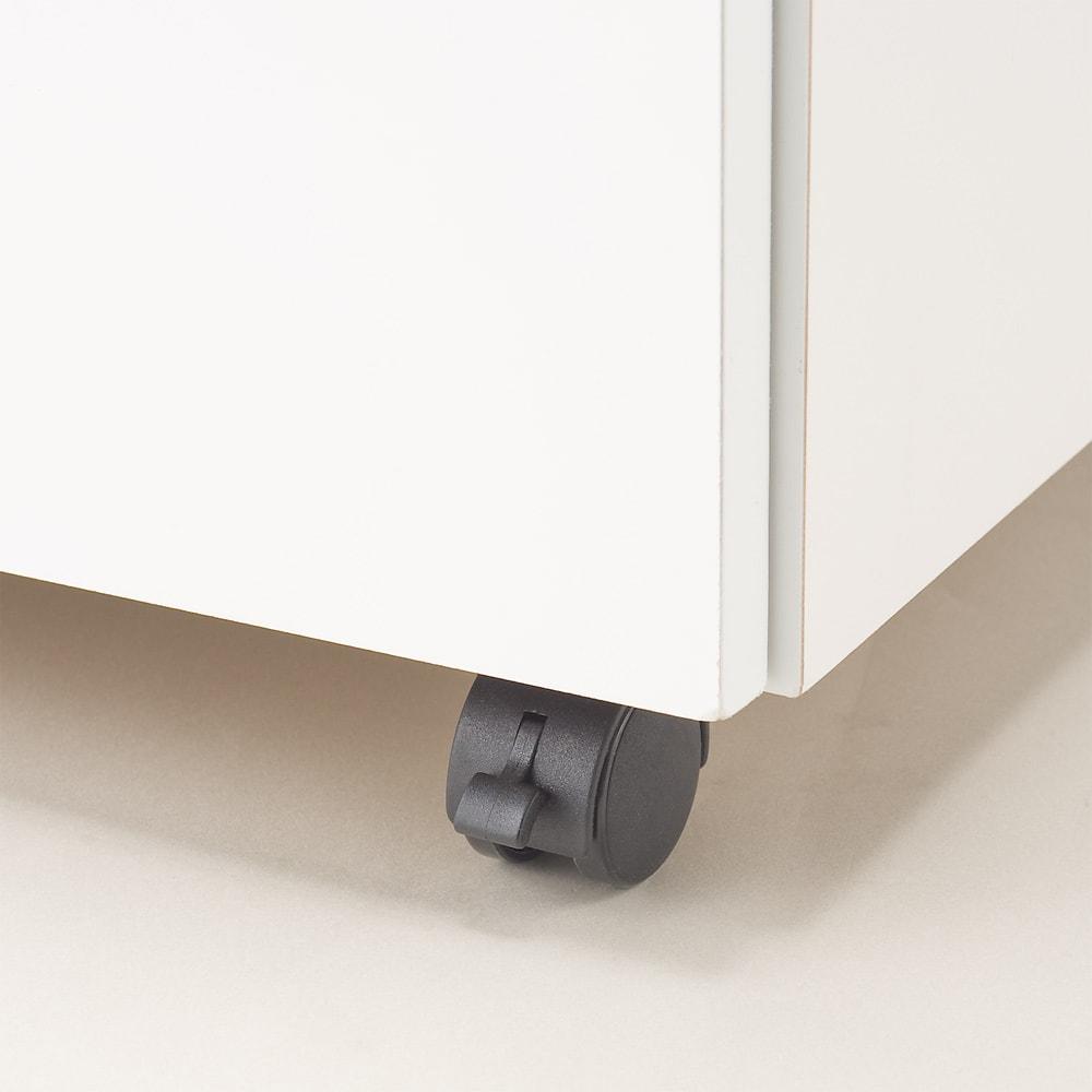 【分類して効率収納】引き出しいっぱいステンレストップカウンター 幅119cm キャスターはストッパー付きでしっかり固定できます。
