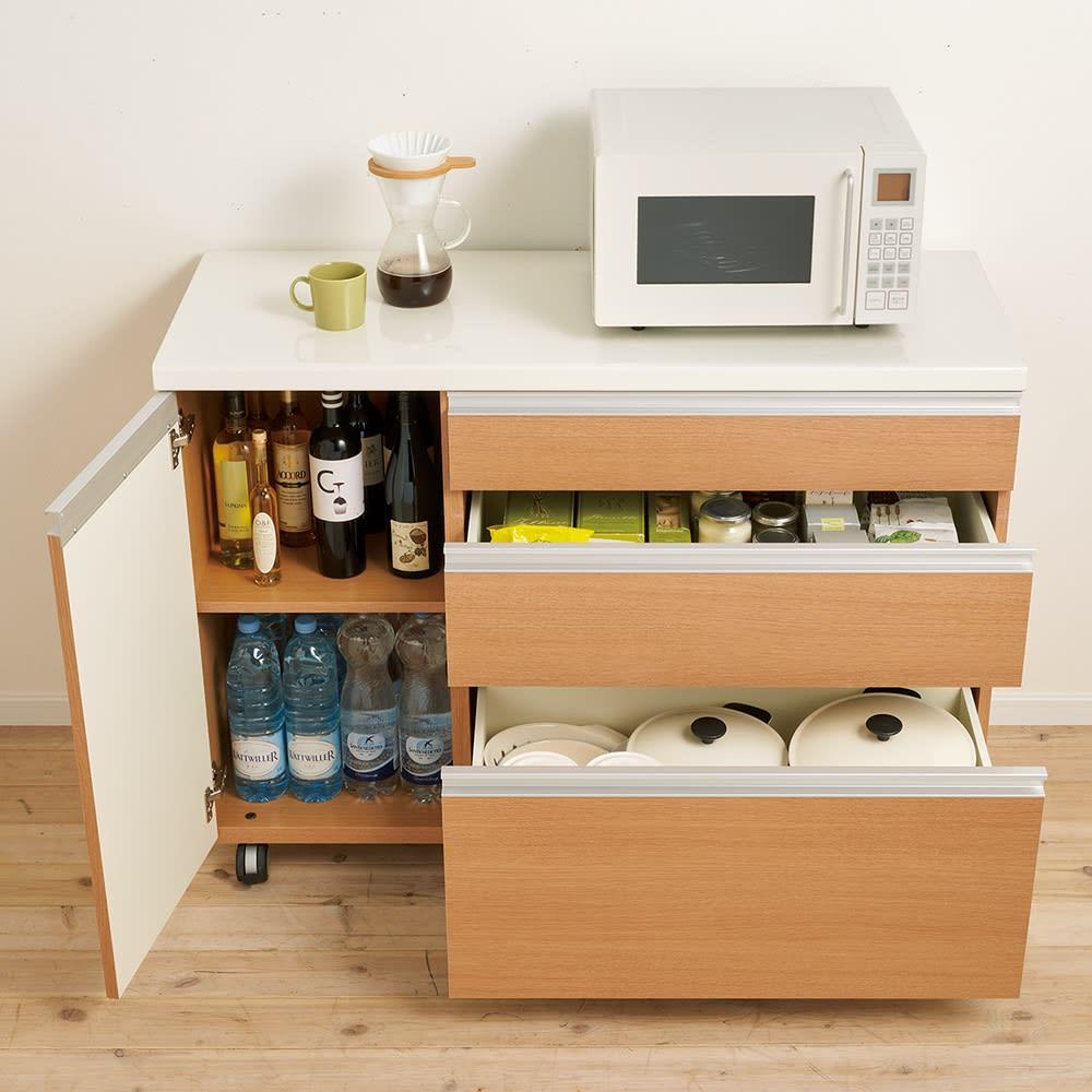 移動ラクラク 間仕切りハイグロストップカウンター 幅140cm/パモウナ AW-140W (ウ)アイダホオーク キッチン小物をたっぷり収納でき、出し入れも簡単。 ※写真は幅120cmタイプです。