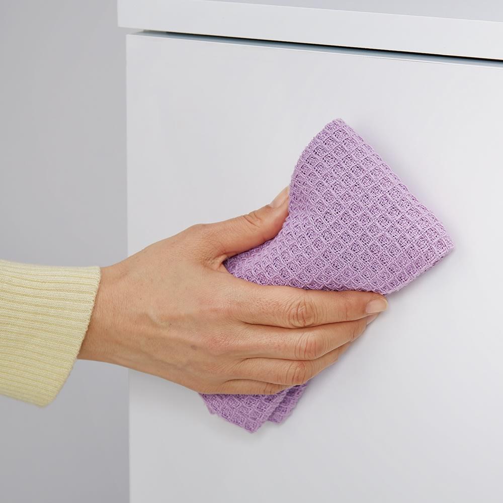 カウンター天板下にすっきり納まる薄型奥行17cm隠せる収納庫 チェスト幅44cm (ア)ホワイト(光沢) 汚れに強く、サッと拭くだけでお手入れ簡単。