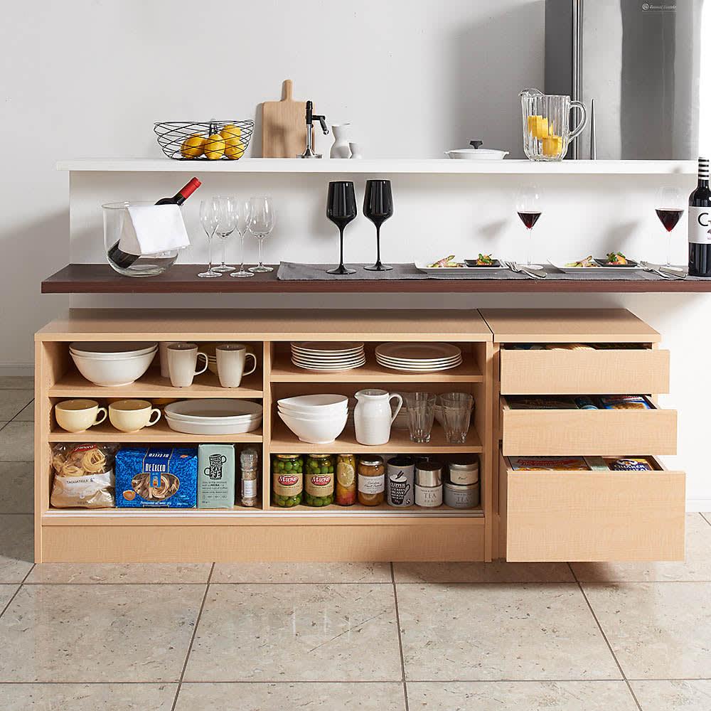 高さ60cm!カウンターダイニング下に納まる収納庫 引き戸 幅119奥行35cm コンパクトでも充実の収納ボリュームでキッチンもあっという間にすっきり。