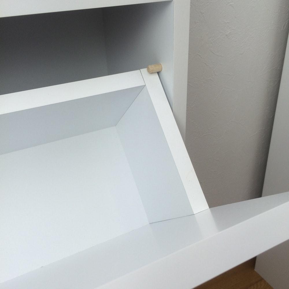 奥行19cmフラップ扉薄型収納庫 1列・幅43cm高さ85cm フラップ扉にも脱落防止のストッパー付き。