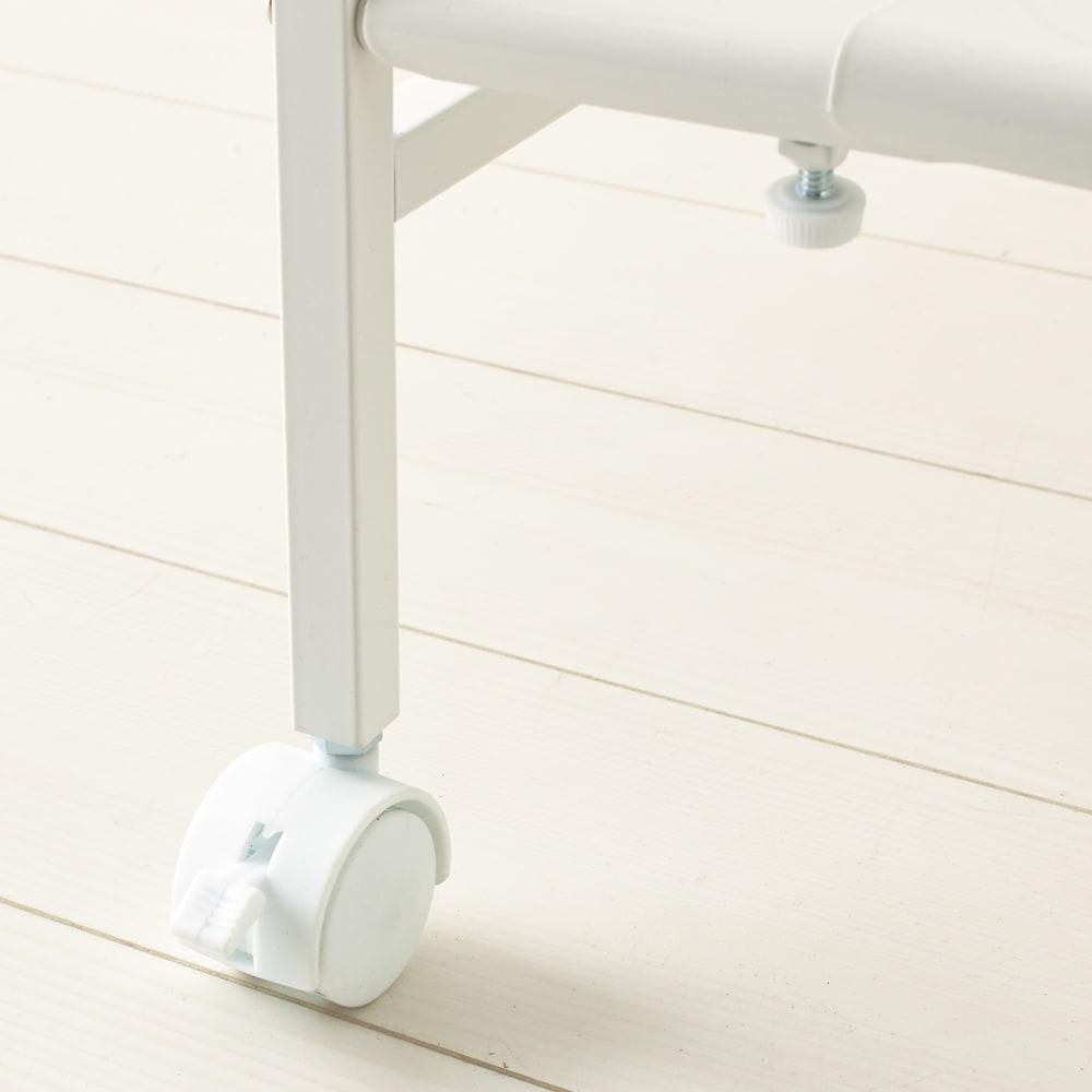 キッチンのすき間にピッタリ 幅伸縮すき間ラック 奥行59.5cm キャスター付きでお掃除のときなどの移動もラクラク。