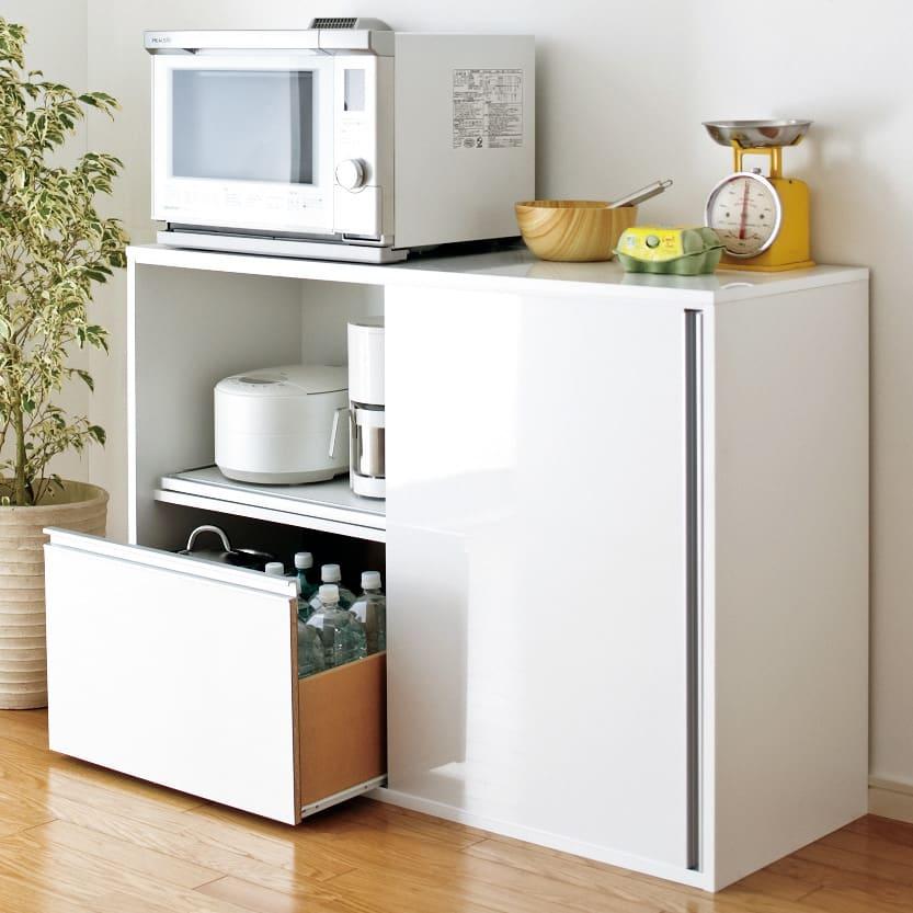 全部隠せる スライド棚付きキッチン家電収納庫  ロータイプ すっきり隠せる引き戸と3つのスライドテーブルがポイントです!!ぜひ他の製品と比較してください。(大型レンジ対応)