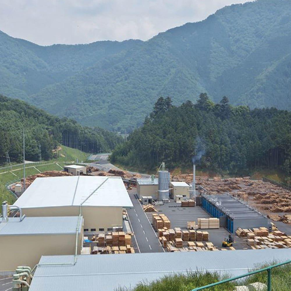 国産ひのきキッチンラック スライド2段タイプ ロータイプ(高さ89cm)幅80cm 【丈夫で高品質な国産材】含水率測定や強度計測などを建築用材料と同レベルで徹底管理された国産材を、但馬の熟練職人が丁寧に仕上げています。(※写真は兵庫木材センター)