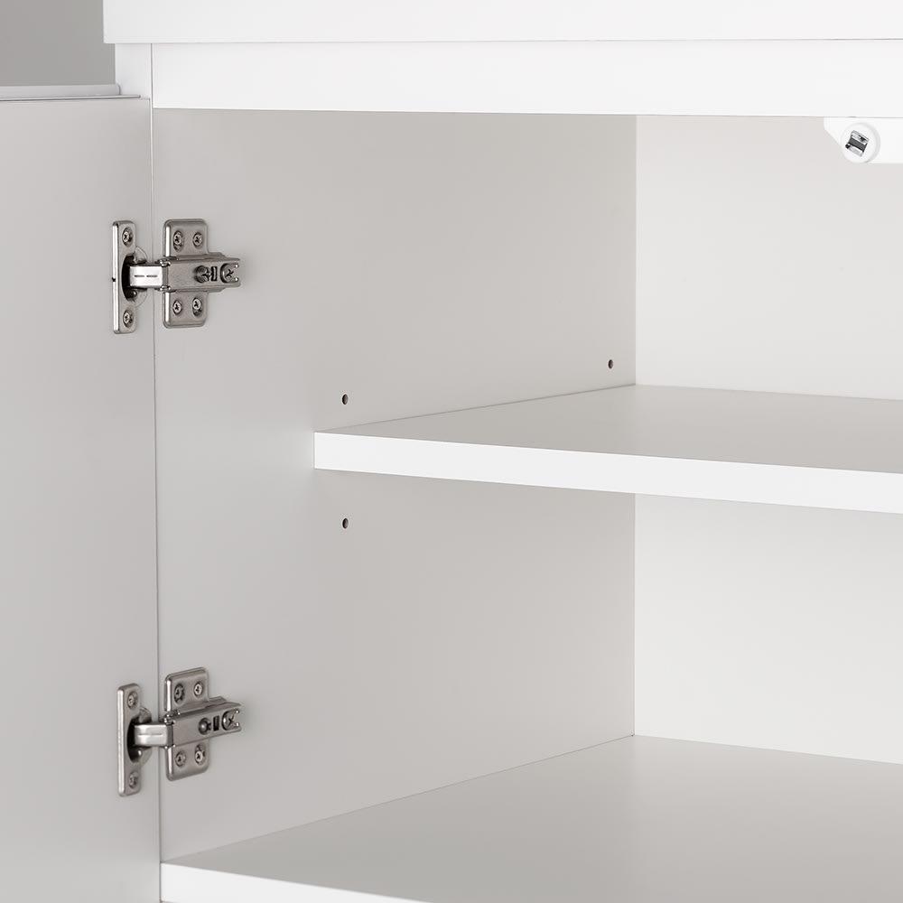 必要なものだけコンパクトに置ける ミニマリストのためのミニマルレンジ台 扉タイプ 幅80cm 扉内には3段階で高さ調節できる可動棚板1枚付き。