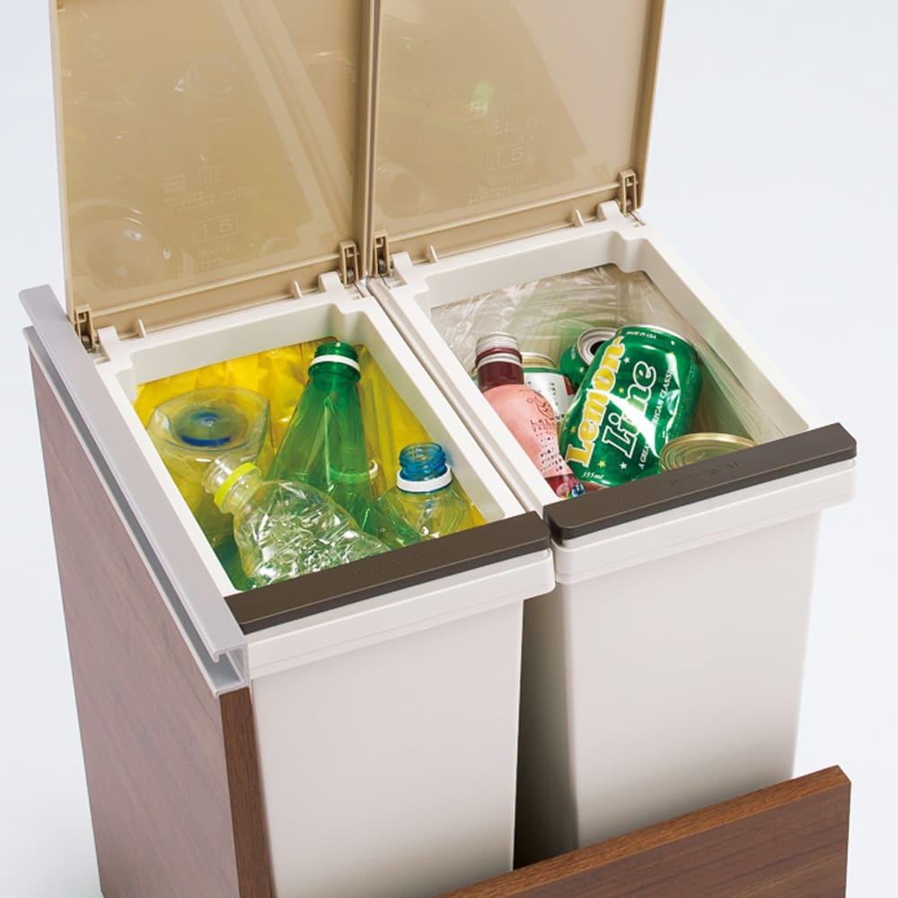 分別ごみ箱付きすき間収納庫 2分別 ハイタイプ 作業中でもゴミが捨てやすいプッシュ式。ゴミ袋ストッパー付きで、ニオイを気にせず清潔にお使いいただけます。