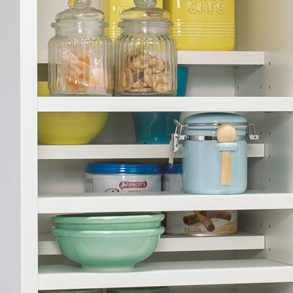 分別ごみ箱付きすき間収納庫 2分別 ハイタイプ 上部扉の中は、奥に入れた物も取り出しやすいハーフ棚仕様。