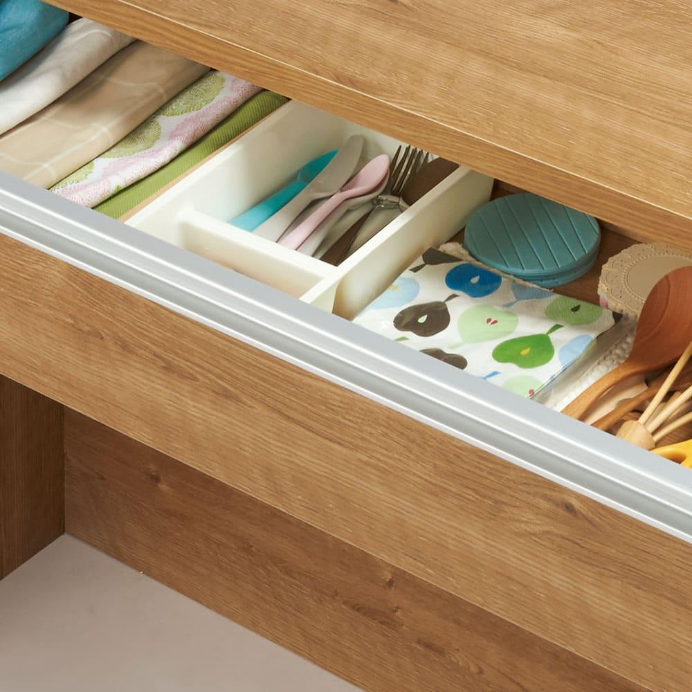 間仕切りキッチンカウンター カウンターデスク 幅120cm 小物収納に適した引き出し付き。