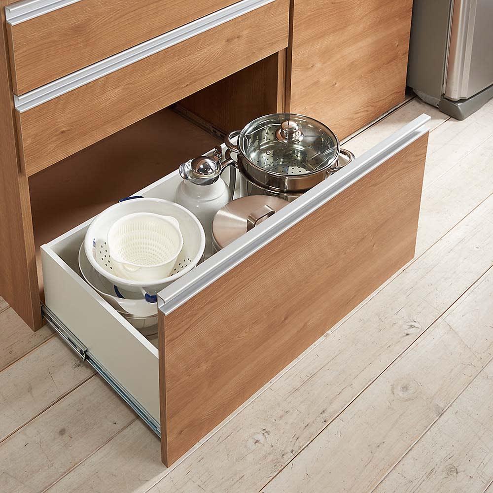 組立不要 スライド天板キッチン収納 引き出し 幅76cm 最下段はボトルなど背の高い物も収納可能。