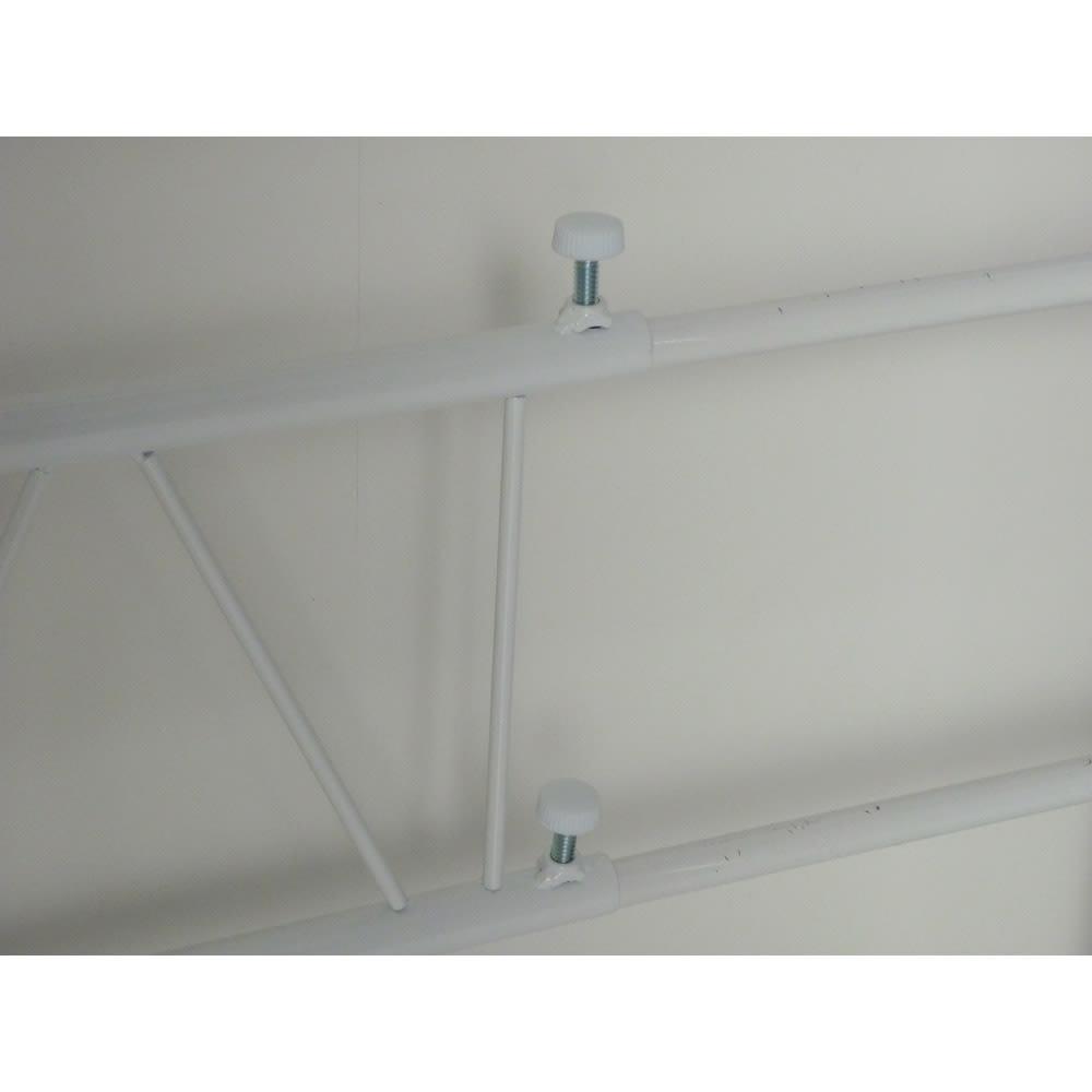 幅が伸縮する作業台ラック ワイドタイプ 奥行45cm 幅51cm~80cm ネジで簡単に幅調節可能です。
