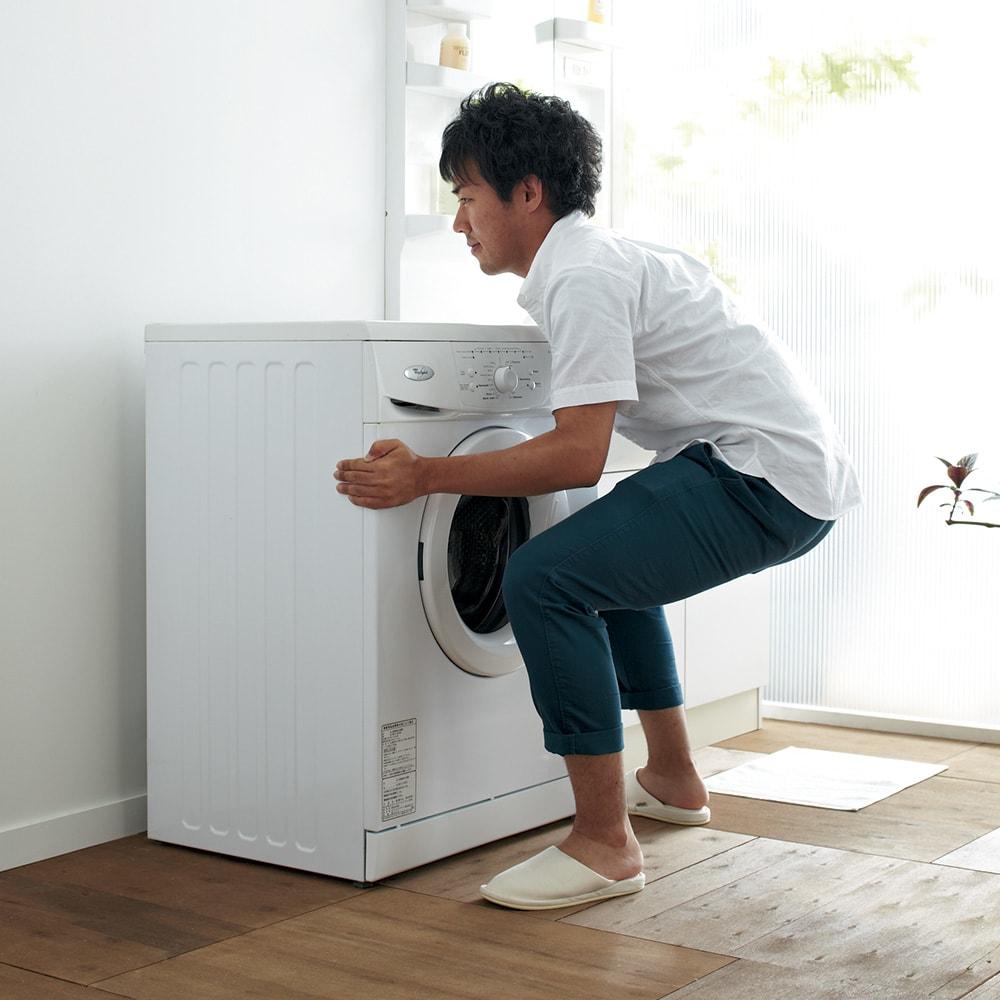耐荷重約150kg ステンレス洗濯機置き台【洗濯機設置台】 自力で動かすのが大変な洗濯機も…