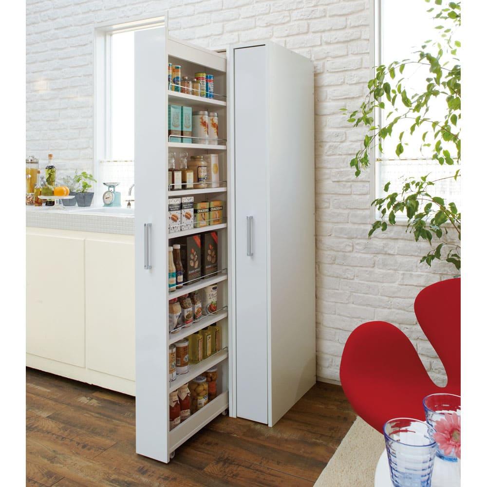 ボックス付きリバーシブル すき間収納庫 幅29奥行58cm キッチンの隙間にピッタリ収まるサイズ展開。ほこりが入りにくいのがポイントです。 ※写真は幅21奥行47cmタイプを2台並べて使用しています。