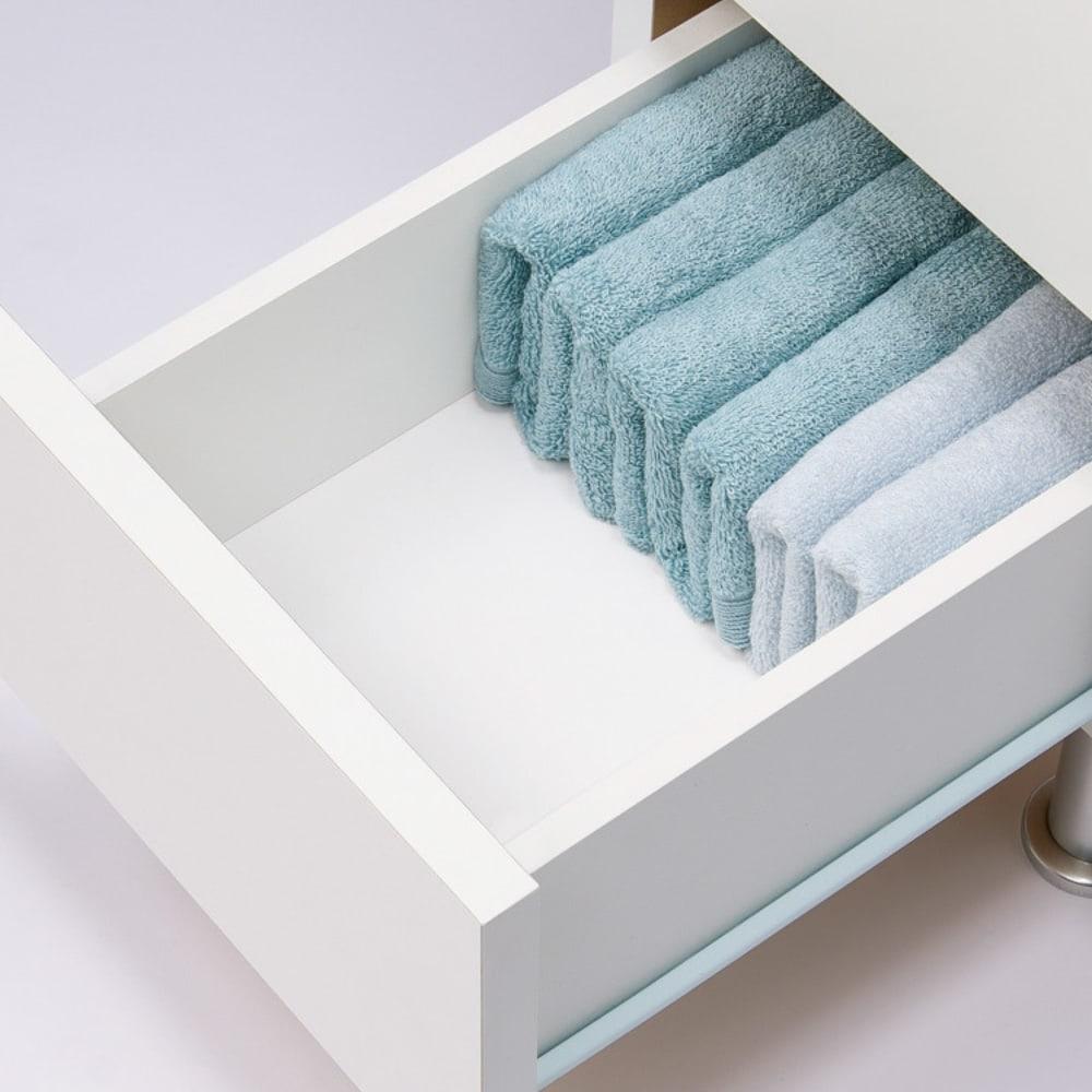組立不要 お掃除しやすい 湿気も気にならない 多段すき間チェスト 4段・幅44.5奥行44.5cm タオルや衣類も安心してしまえる内部化粧仕上げ。