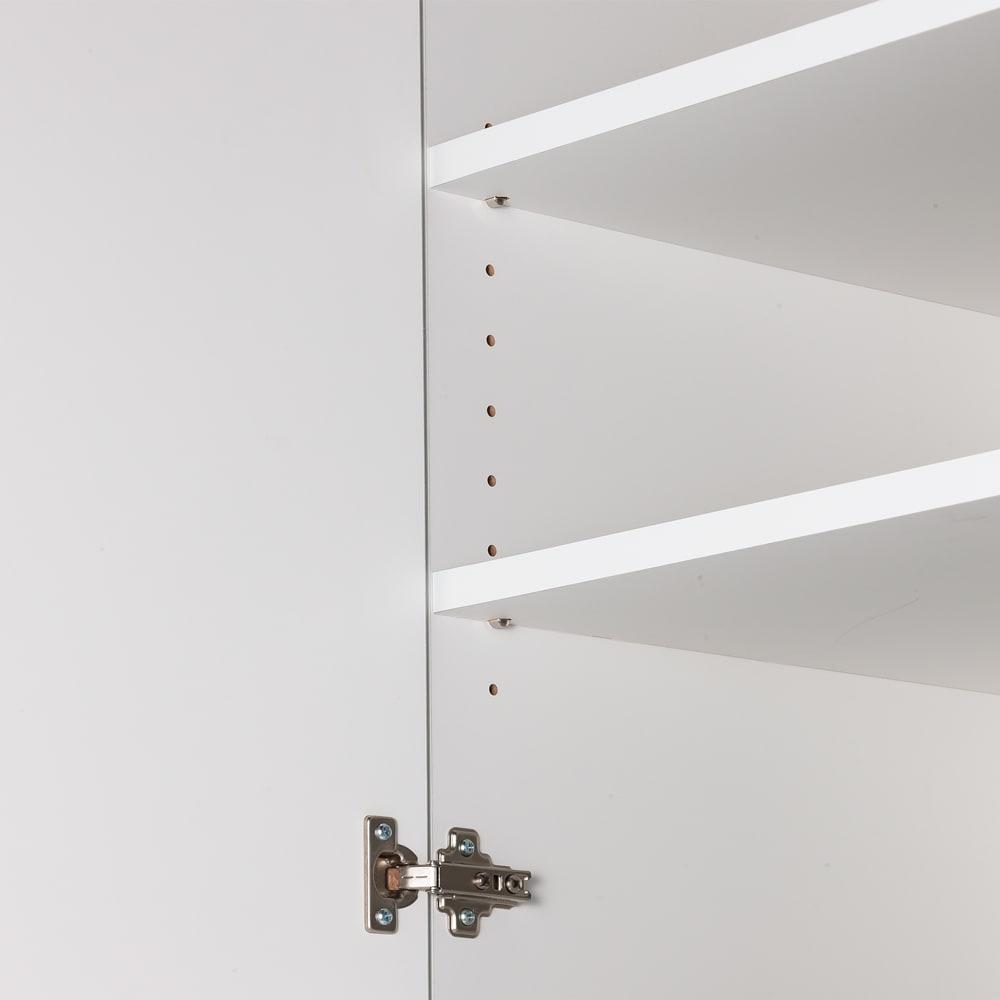 組立不要 出し入れしやすい(自由に使える)光沢仕上げ快適収納庫 幅80奥行45cm 可動棚は3cm間隔で高さ調節できます。