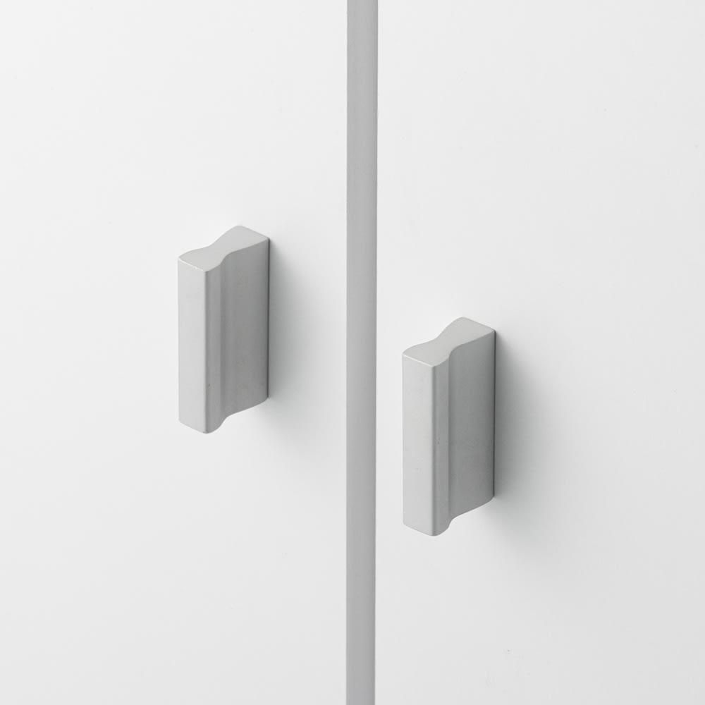 幅と奥行が選べるサニタリーチェスト 幅45cm奥行35cm 扉には持ちやすい取っ手付き。