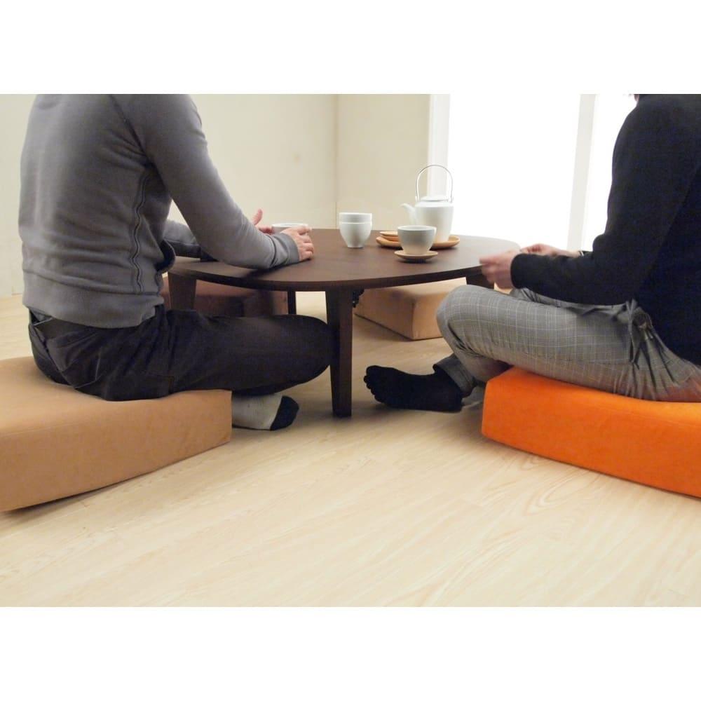 折れ脚フロアテーブルエッグ 幅90cm ご使用イメージ