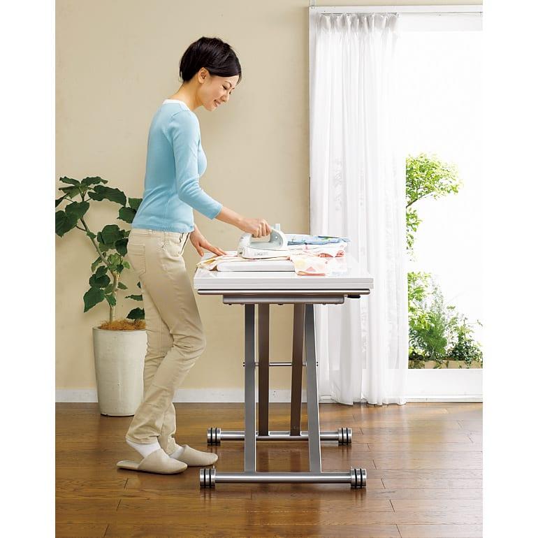 伸長式ガス圧昇降テーブル 幅120(天板110)cm (ア)ホワイト 高さを変えて立ち仕事用のハイカウンターテーブルとしても。天板耐荷重約20kgです。