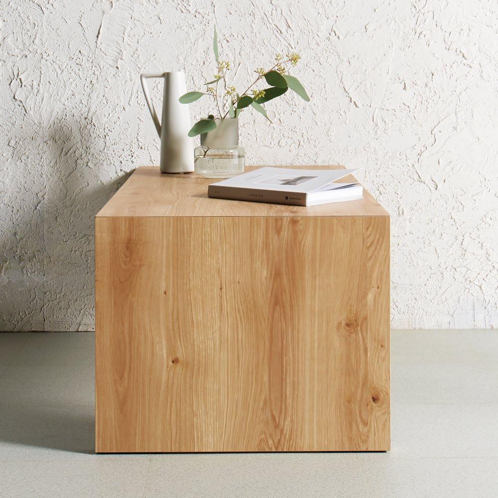 折りたたみできるスマートスタイルテーブル 120×59cm 無駄をそぎ落としたシャープなデザイン コーディネート例(ウ)ナチュラル(木目) ナチュラルは木目が美しいグレイッシュな天然木調。