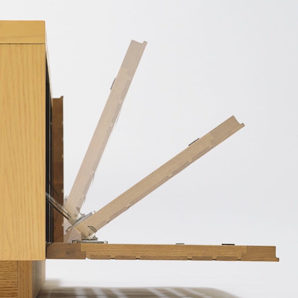 天然木無垢材のテレビ台・テレビボード ウォルナット天然木 幅200cm フラップ扉はゆっくり開閉するソフトダウンステー仕様。