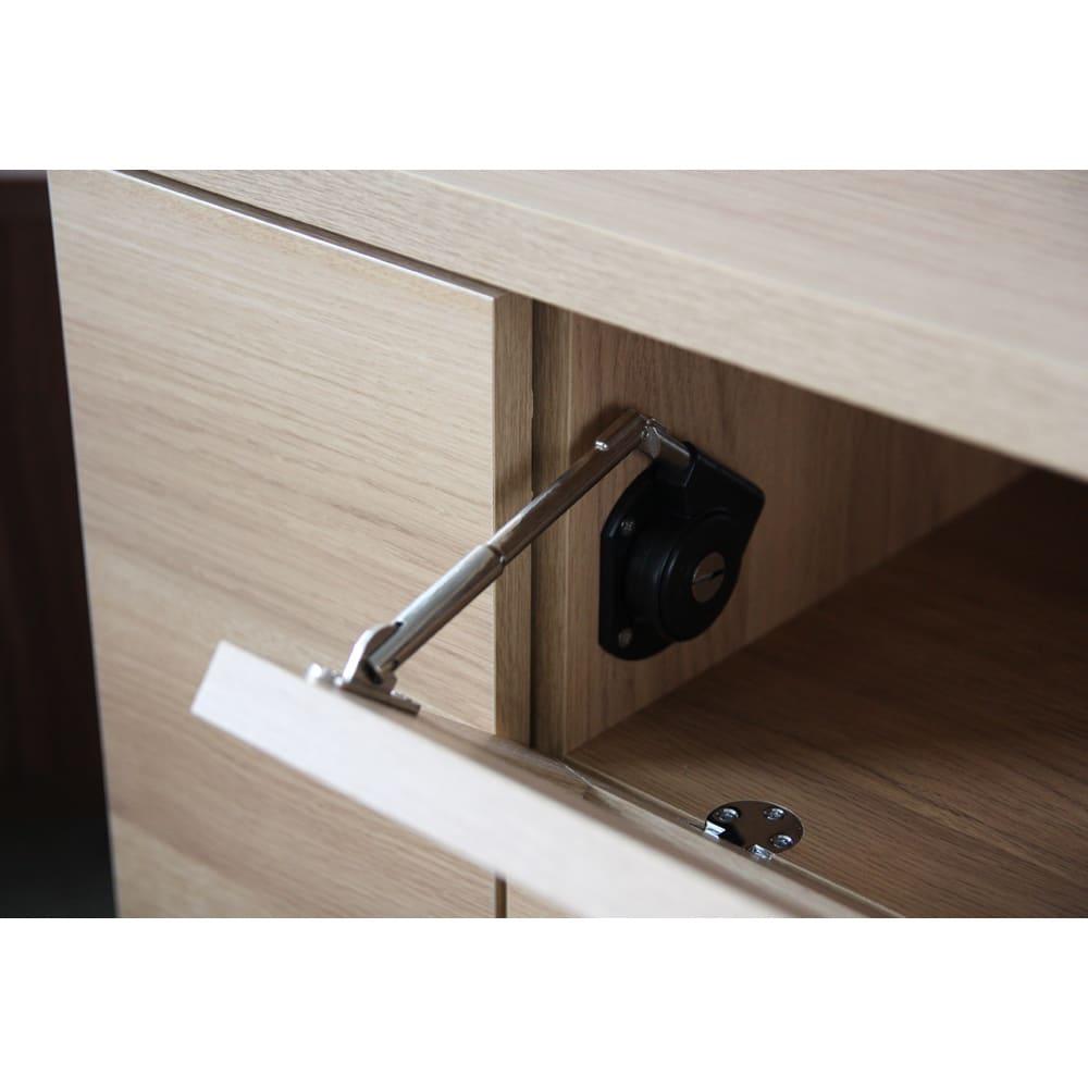 天然木調お掃除がしやすいコーナーテレビ台・テレビボード 幅90cm フラップ扉部には、ゆっくりオープンするダンパーを採用。