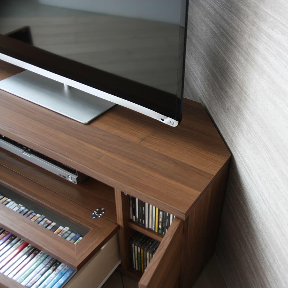 天然木調お掃除がしやすいコーナーテレビ台 幅120cm コーナーに置きやすいデザイン。