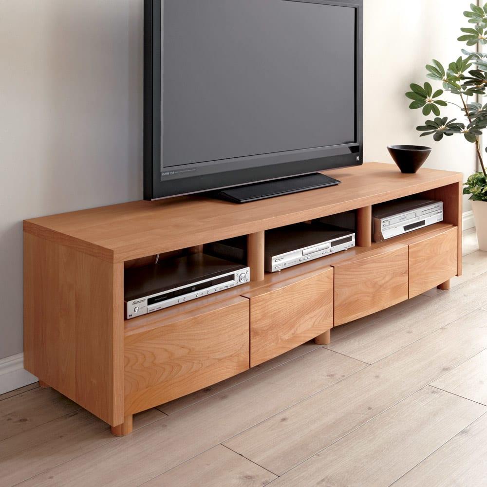 アルダー天然木アールデザインテレビ台・幅164cm 細部にもこだわり溢れる仕上げ