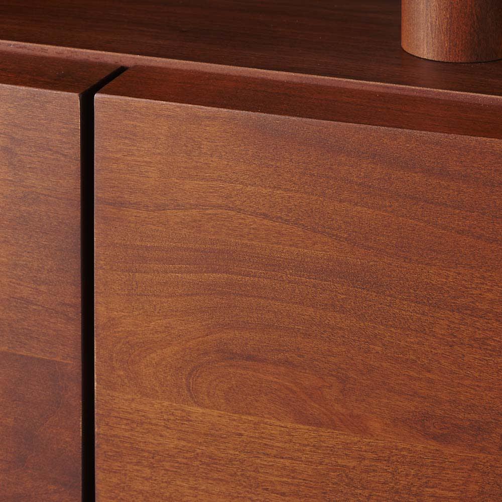 アルダー天然木アールデザインテレビ台・幅164cm カーブを描く優しいデザイン。アルダー天然木の美しい風合いが際立ちます。
