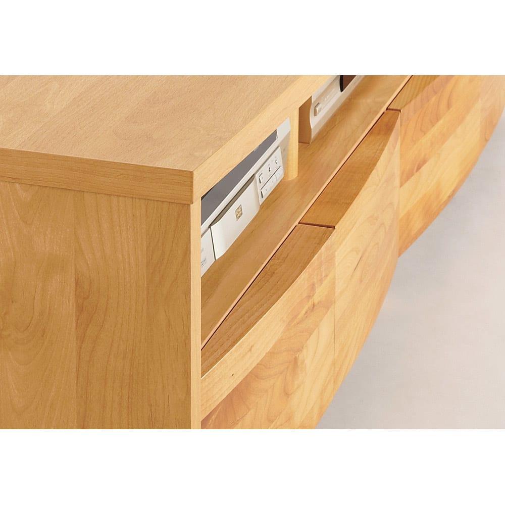 アルダー天然木アールデザインテレビ台・幅164cm 引き出し前面の丸み加工は日本製ならではの丁寧な作りの逸品です。