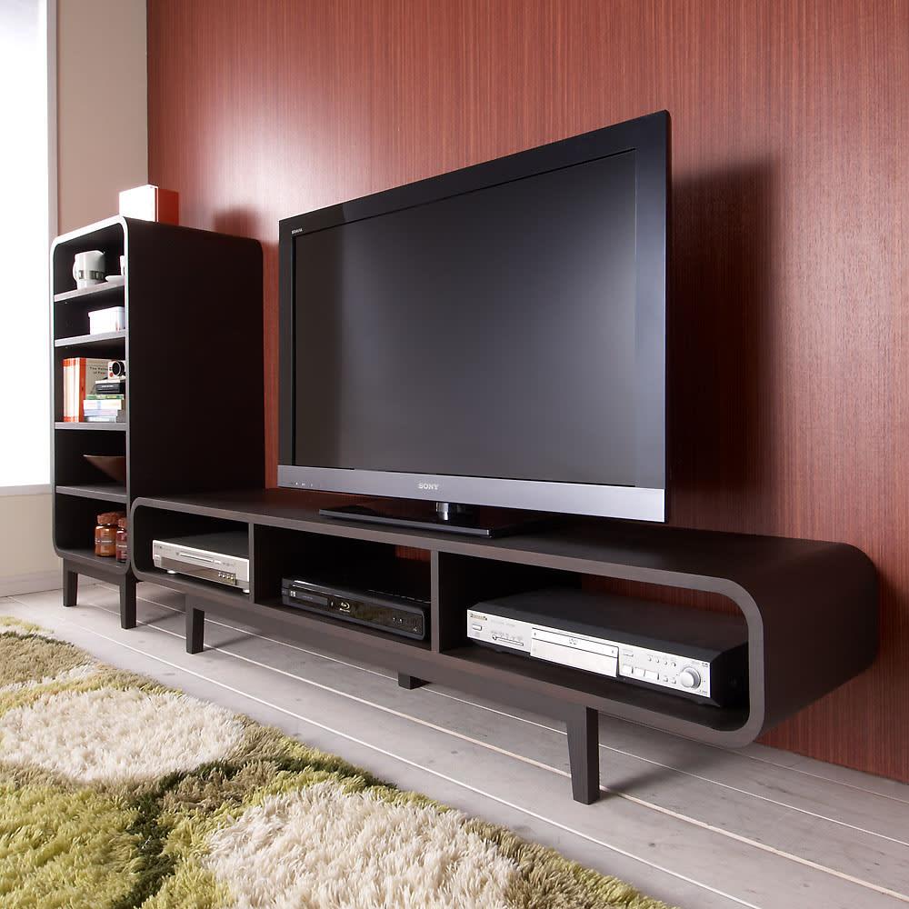 曲面加工のラウンドシェルフシリーズ テレビ台・テレビボード 1段3連 幅165cm高さ34cm 脚付きタイプ 曲面ラインがお洒落感を彩ります。