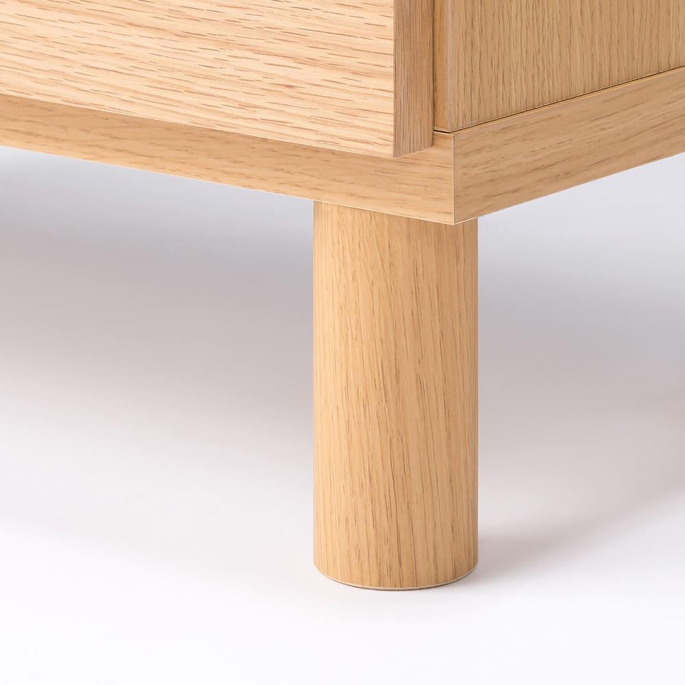 木目が綺麗な突き板キャビネット ハイタイプ 幅60高さ88cm 脚部は天然木(ゴム天然木)を使用。