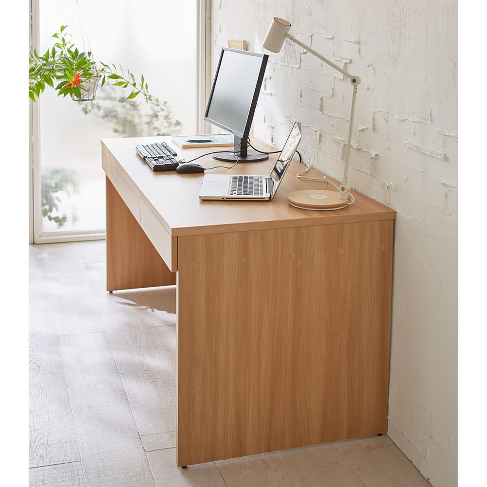 奥行選べるデスクシリーズ デスク 幅120cm・奥行70cm 優しい天然木調なので書斎においても存在感を放ちます。
