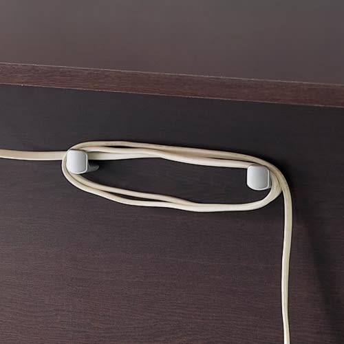 奥行たっぷり収納デスク 幅160cm 裏面には、コードを巻きつけられる工夫も施されています。