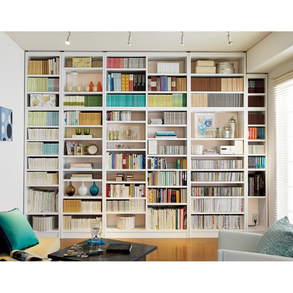 A4サイズがぴったり収まる高さサイズオーダー対応壁面収納ラック 奥行29.5cmタイプ 幅60本体高さ207~259cm(対応天井高さ208~260cm) 図書館のように本をズラリと生前に。 (イ)ホワイト≪組合せ例≫ ※天井高さ260cmで撮影しています。