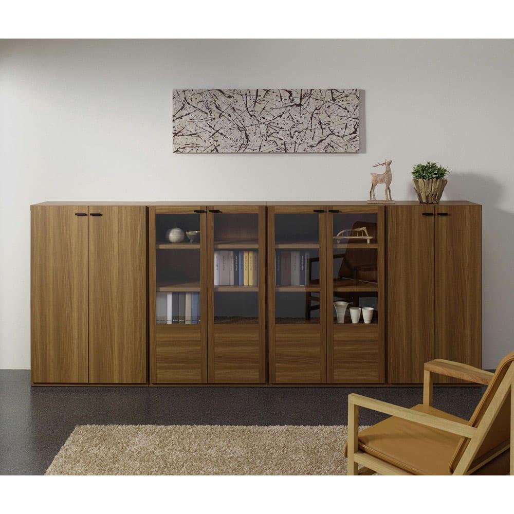 板扉の本棚 単品 奥行39cm 高さ114cm (重厚感のあるがっちり本棚シリーズ) シリーズ商品とのコーディネート例(ア)ブラウン