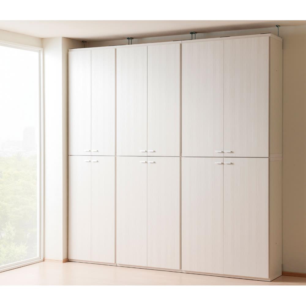 重厚感のあるがっちり本棚 板扉上下セット高さ228cm+天井突っ張り金具 (イ)ホワイト(木目)左から幅60cm・幅74.5cm・幅90cm