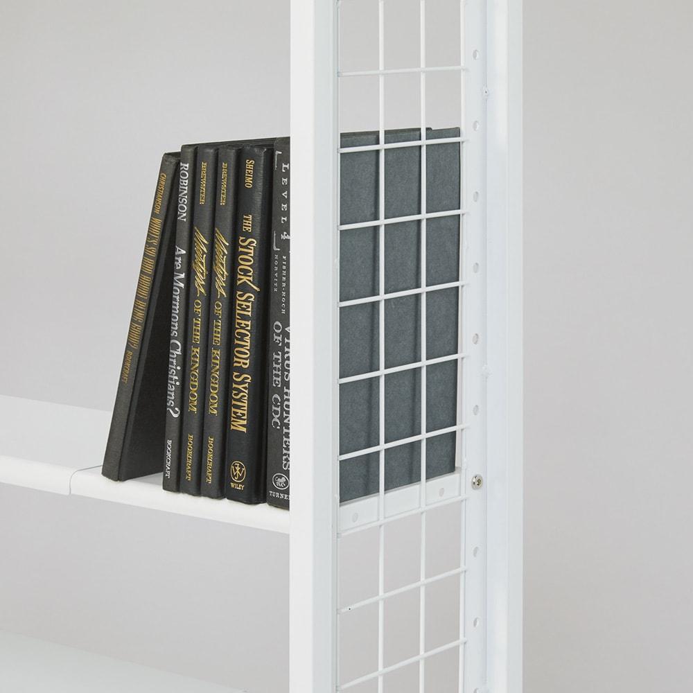 〈奥行26cm・幅63~92cm〉幅と高さがピッタリ!伸縮式スチールラック 収納イメージ(1):文庫本や単行本、コミックといった小型の本に