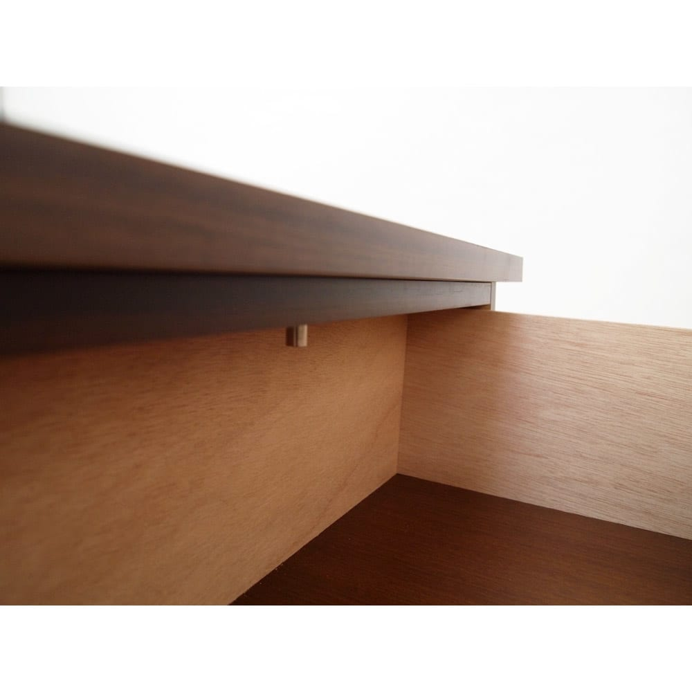 1cmピッチ薄型窓下収納庫 【幅58奥行31.5cm 引き出し4段】 引き出しが落ちないよう、各段内部にストッパー付き