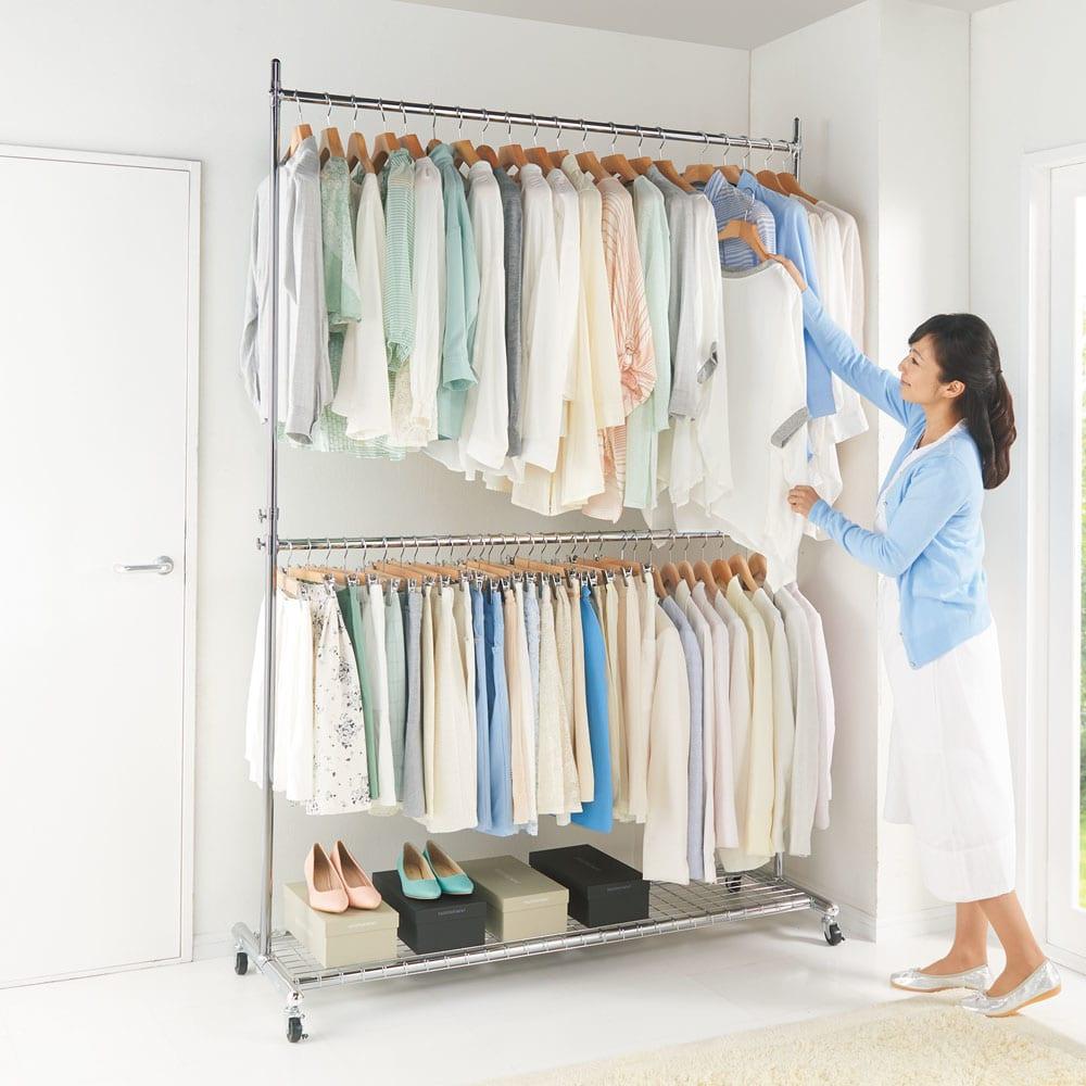 プロ仕様 上下2段頑丈ハンガーラック 幅87cm お部屋の微妙なスペースも天井いっぱいまでつかえば、幅をとらずに大量の洋服が収納できます。※写真は幅147cmタイプです。