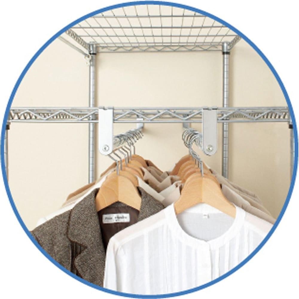 洗えるカバー付き 頑丈ハンガーラック ロータイプ・幅61cm ハンガーは前後ダブルに掛けられる仕様なので、 頑丈さに加えて収納力も抜群です。