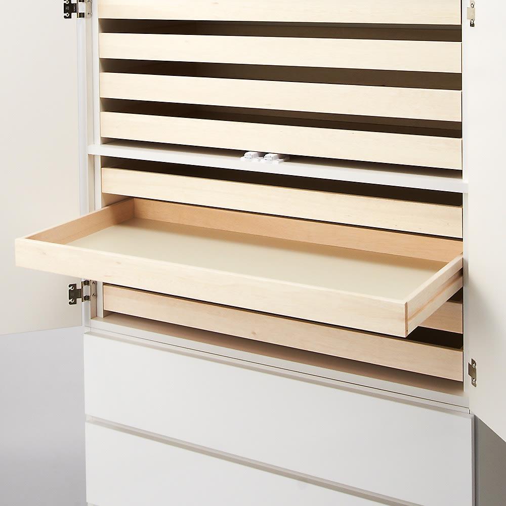 スタイリッシュな着物専用クローゼット 上盆収納&下引き出し・幅100cm 盆収納部。