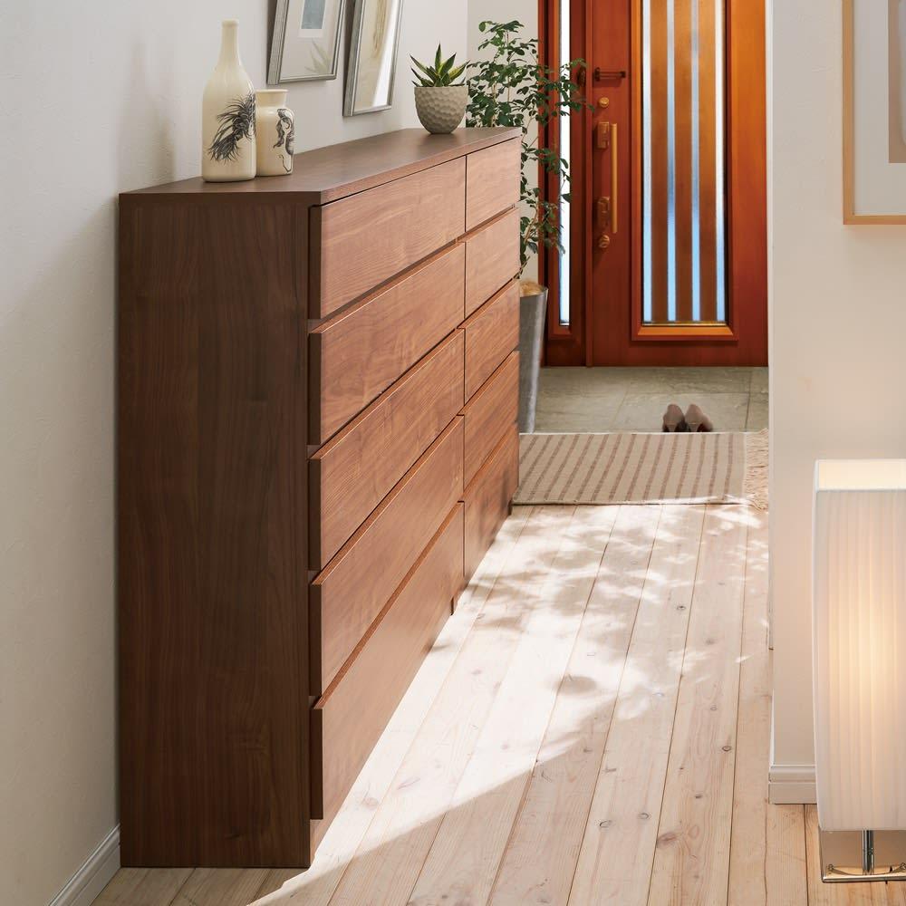 奥行30cm薄型収納チェスト 5段 幅120高さ102cm (イ)ダークブラウン 薄型なので狭い廊下など置き場所を選びません。30cm