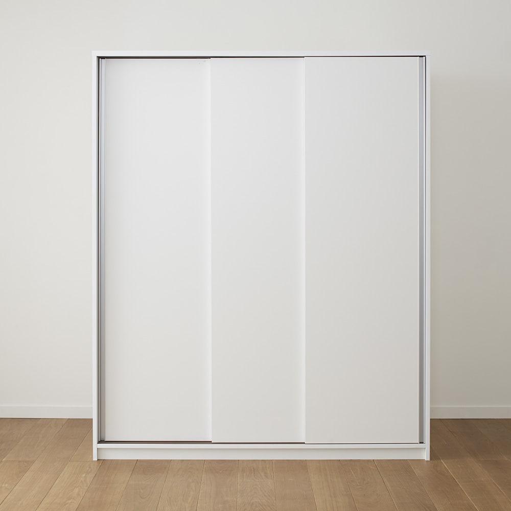 【日本製】3枚引き戸で出し入れも楽チン大容量収納庫シリーズ 洋服収納 奥行60cm (ア)ホワイト