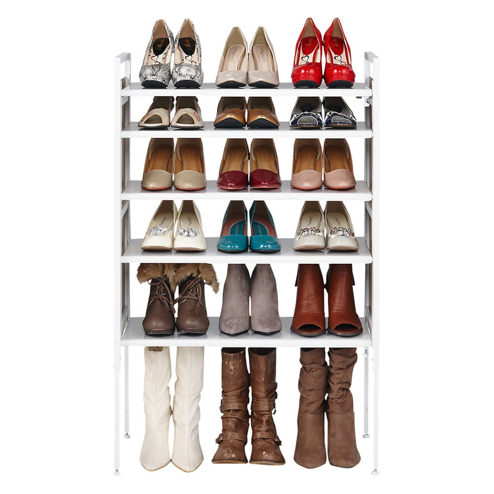 空間に美しく調和する伸縮自在木目調シューズラック 5段 棚が可動するので、丈の長いブーツや長靴も収納できます。