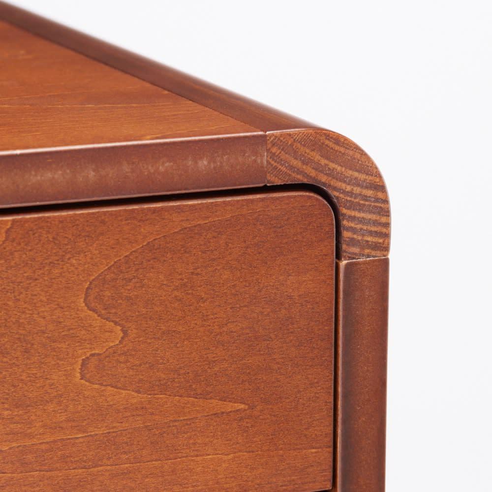曲木風エントランスチェスト 浅引き出し6段・深引き出し2段(高さ113cm) お子様のいるご家庭でも安心の角が丸いデザイン。